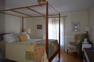 DE bed 2 300x199