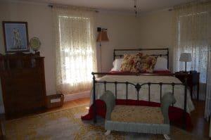 N bed 2 300x199